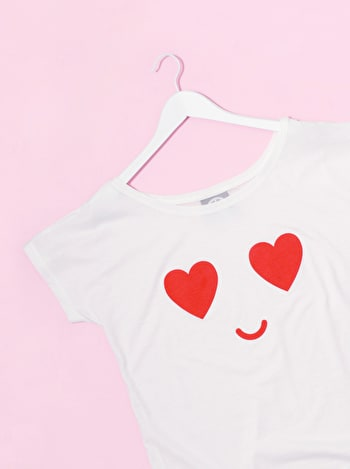 Heart Eyes | Emoji T Shirt | Alphabet Bags