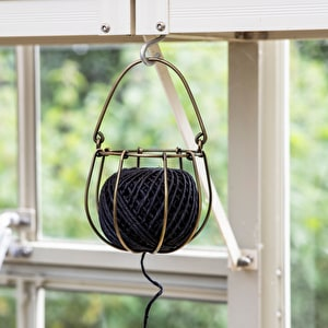 Wirework String Holder with String