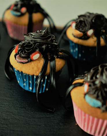Recipe: spooky Spider Cupcakes Thumbnail