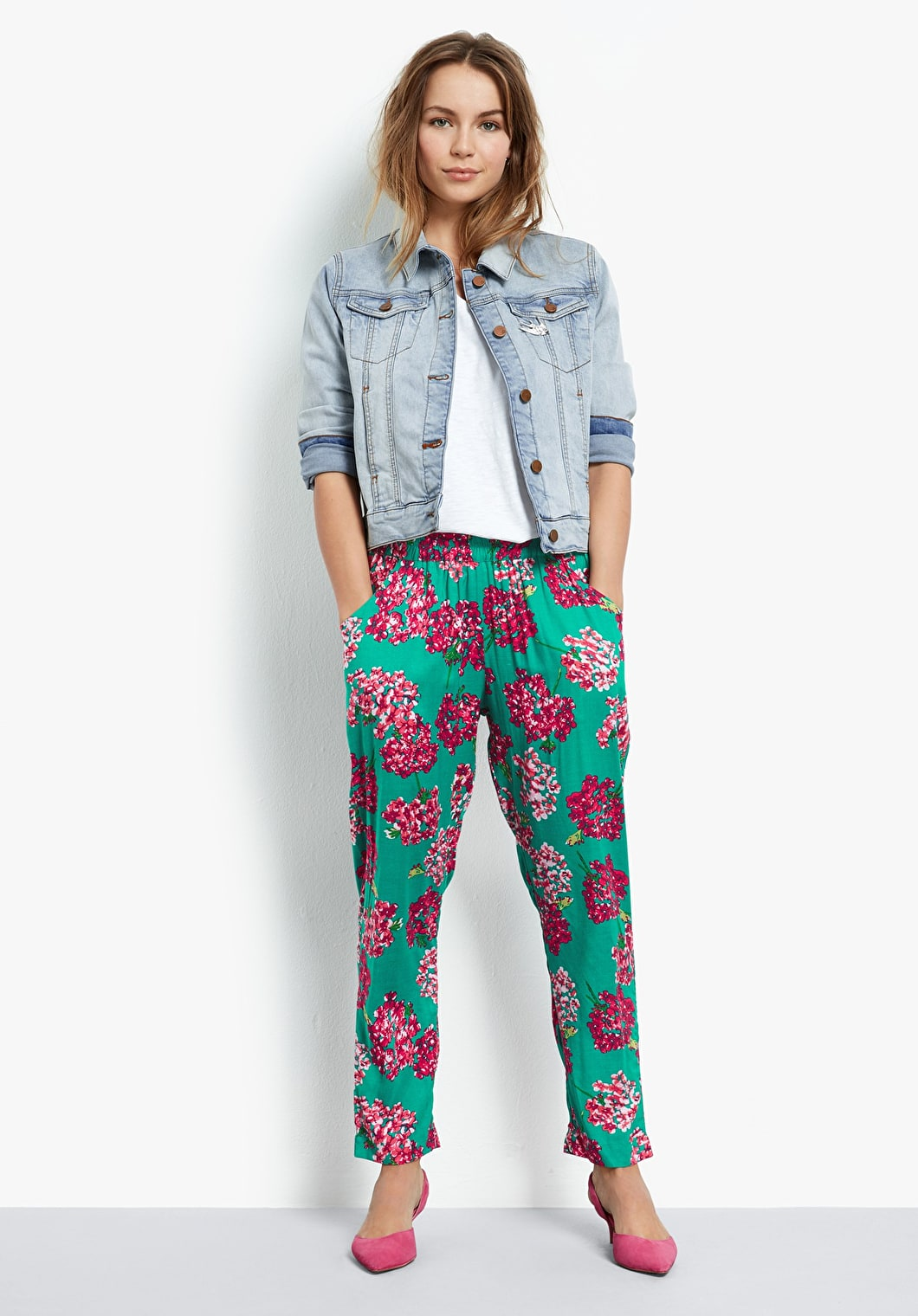 Cropped Relaxed Printed Trousers | hush