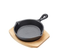 Artesà Cast Iron 20cm Round Small Fry Pan with Board