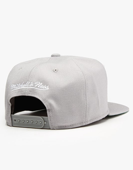 Mitchell & Ness NBA Brooklyn Nets Wool Solid Snapback Cap - Grey