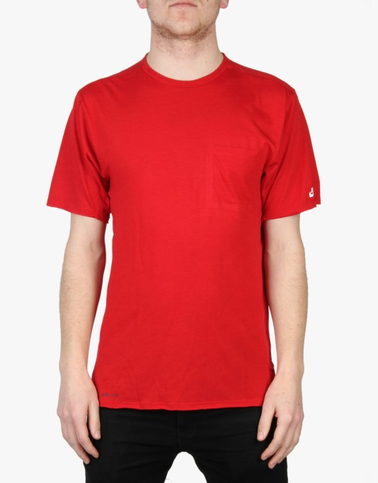 Nike SB Dri-Fit Skyline Pocket Crew T-Shirt - Gym Red/ White