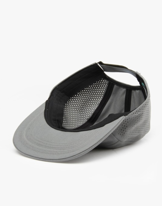 Nike SB Performance 5 Panel Cap - Tumbled Grey/Black/Relective Silver