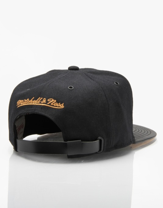 Mitchell & Ness NBA Sacramento Kings TKO Snapback Cap - Black/Gold