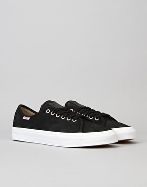 Vans AV Classic Skate Shoes - (Oiled Suede)Black/White