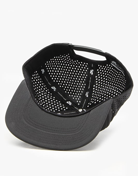 Nike SB Performance Trucker Cap - Black/Black/Black/White