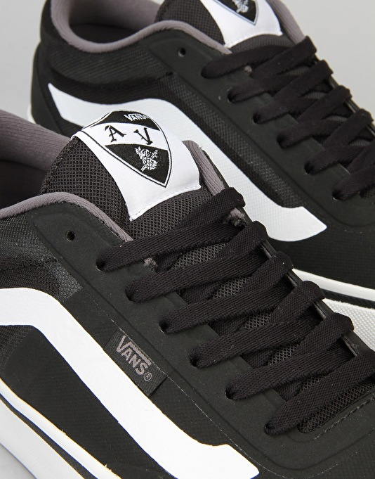 Vans AV RapidWeld Pro Lite Skate Shoes - Black/White