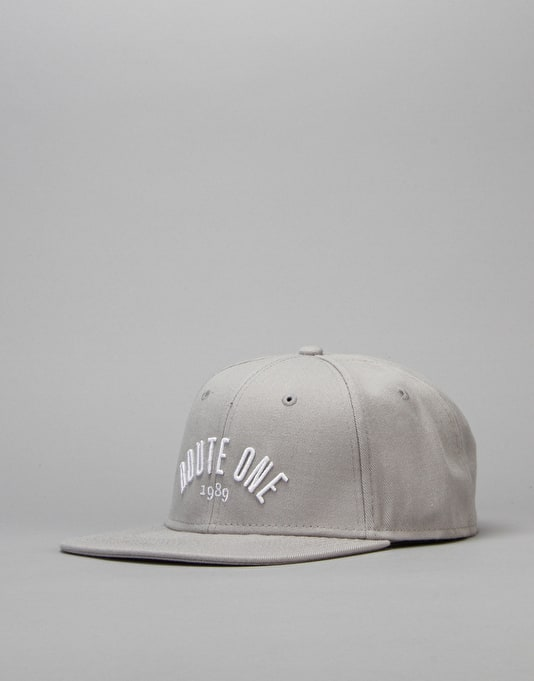 Route One Arch Logo Snapback Cap - Grey