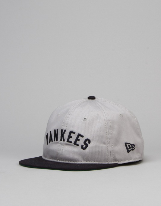 New Era MLB New York Yankees Vintage 9Twenty Snapback Cap - Grey