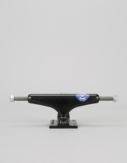 Royal Standard 5.25 Team Trucks - Black/Black