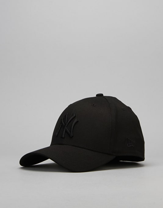 New Era 39Thirty League Basic New York Yankees Cap - Black/Black