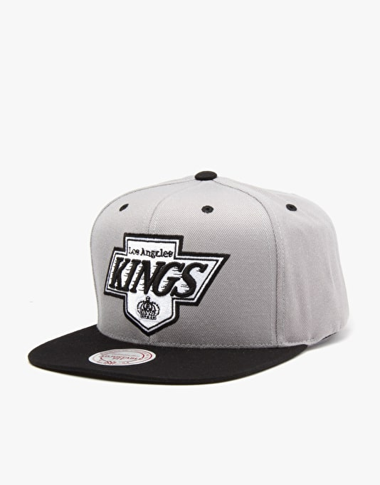 Mitchell & Ness NHL LA Kings Arch Visor Snapback Cap - Grey/Black