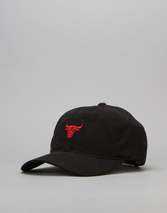 Mitchell & Ness NBA Chicago Bulls Chucker Strapback Cap - Black