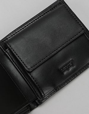 Levis Inlay Bi-Fold Clean Finish Leather Wallet - Regular Black