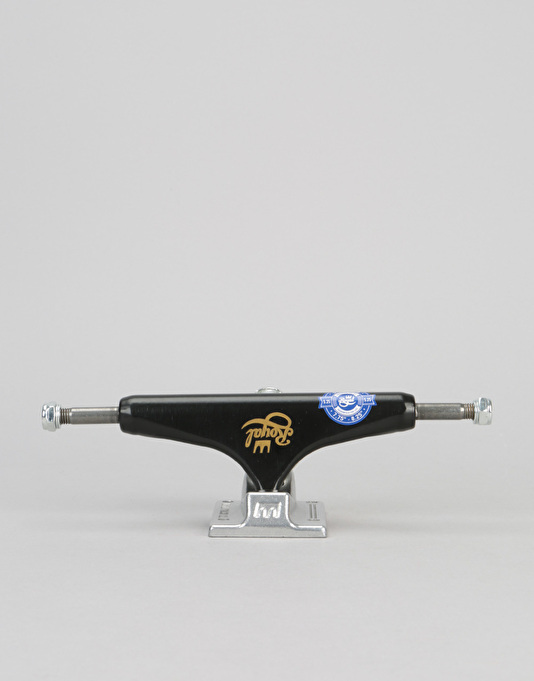 Royal Classic Crown Standard 5.25 Team Trucks - Black/Raw (Pair)