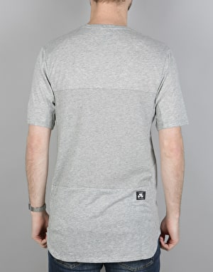 Nike SB Dry Skyline T-Shirt - DK Grey Heather/Black