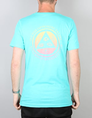 Welcome Latin Talisman T-Shirt - Teal/Yellow/Pink