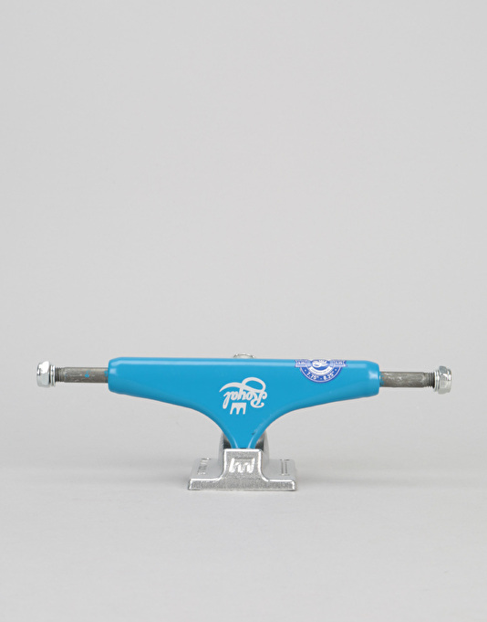 Royal Classic Crown Standard 5.25 Team Trucks - Navy/Raw