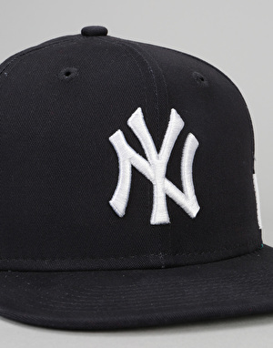 New Era 9Fifty MLB New York Yankees Side Black Snapback Cap - Navy