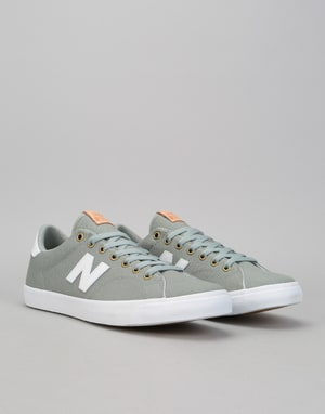 New Balance AM210 Shoes - Grey/White