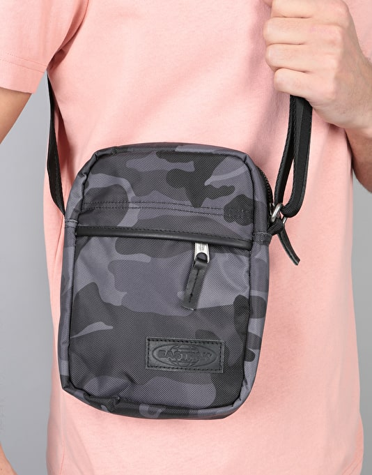 Eastpak The One Cross Body Bag - Constructed Camo