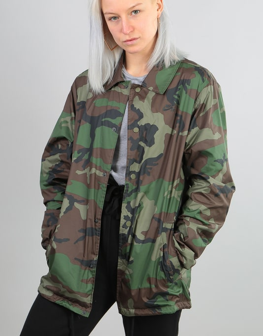 Nike SB Womens Shield Oversized Coaches Jacket - Medium Olive/Black