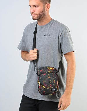 Nike SB Heritage Cross Body Bag - Rose Print/Black/White