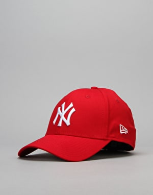 New Era 39Thirty League Basic New York Yankees Cap - Scarlet/White