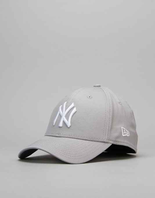 New Era 39Thirty League Basic New York Yankees Cap - Grey/White
