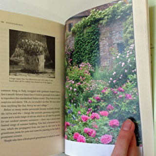 Vita Sackville West's Sissinghurst: The Creation of a Garden