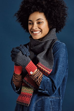 Stylish Gloves In Merino Blend & Scandi Knit - Seasalt