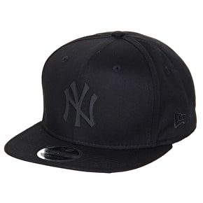 New Era 9FIFTY Rubber NY Snapback Cap - Black