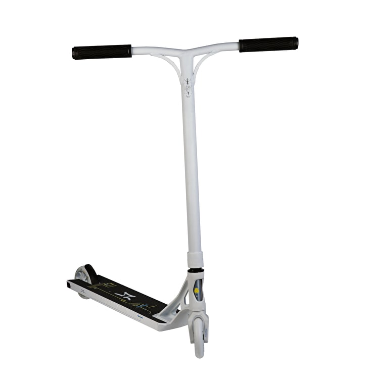AO Scooters 2018 Quadrum 2 Stunt Scooter - White