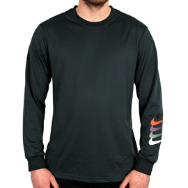 Nike SB Dry GFX Longsleeve T-Shirt - Deep Jungle/Black