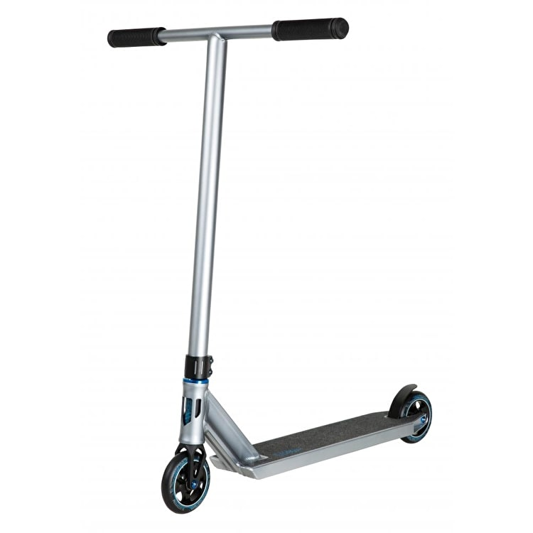 Blazer Pro Titan Series Poseidon Complete Scooter - Chrome/Blue
