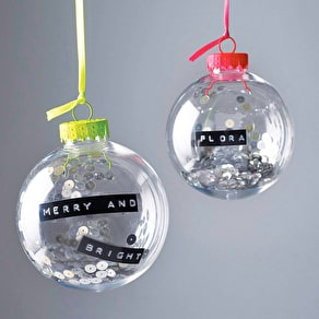 White 'Merry Xmas' Mini Bauble Set